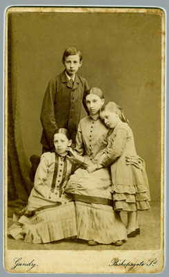Ernest-and-his-sisters